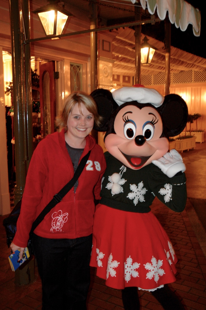 Holiday Minnie Disneyland Park