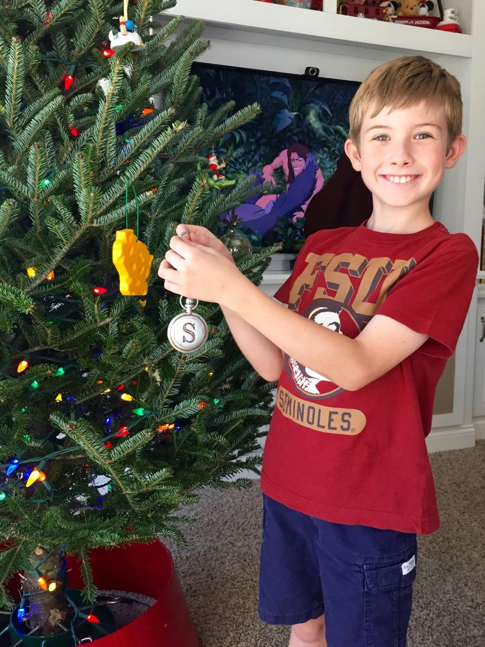 Hunter Hanging Christmas Ornament 2015