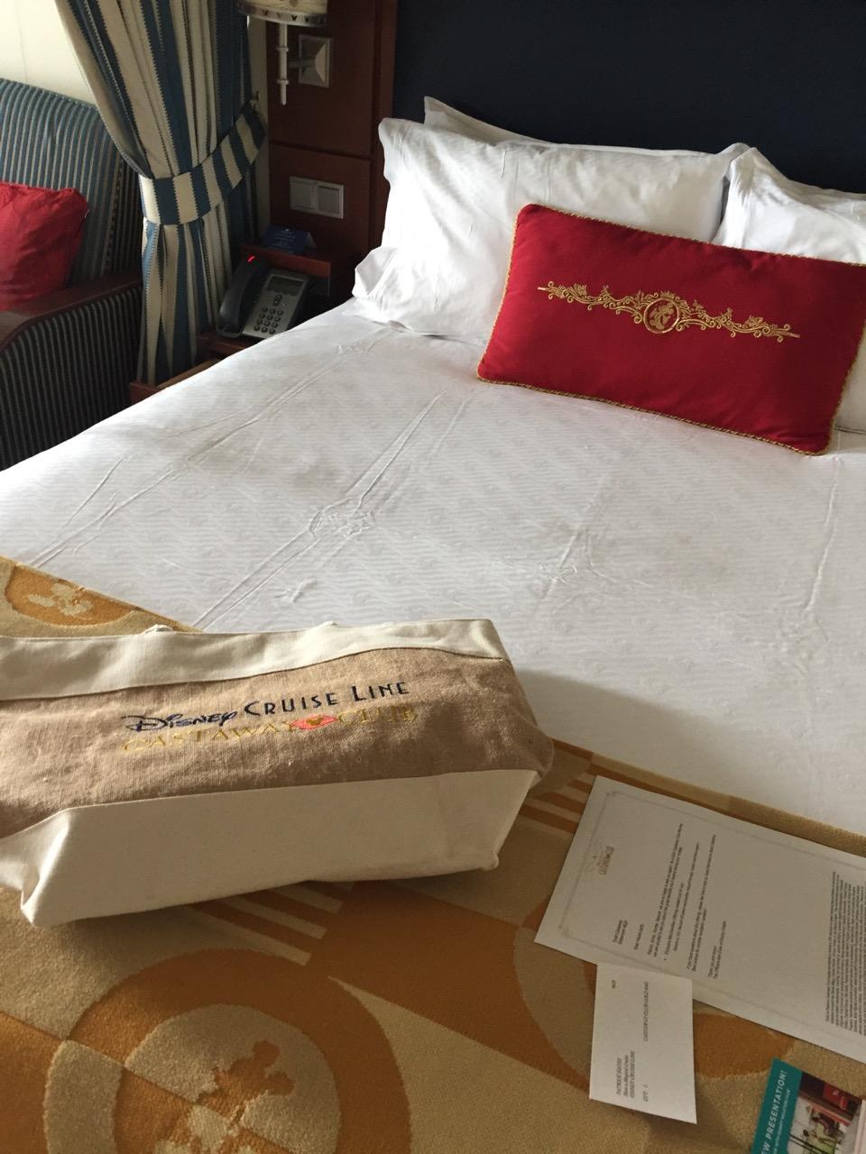 Disney Cruise Line Godl Castaway Bag