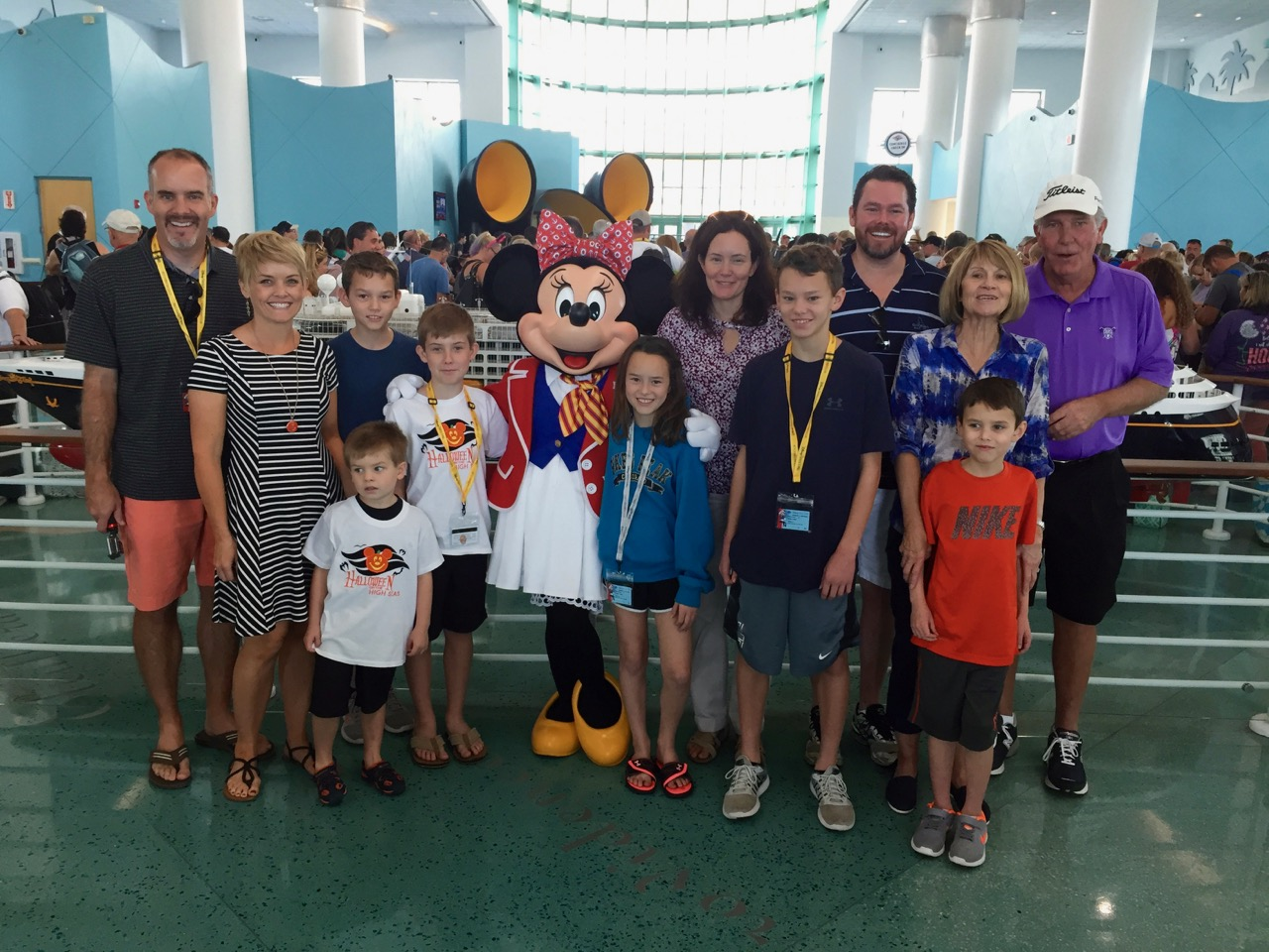 Disney Cruise Line Port Minnie Meet & Greet