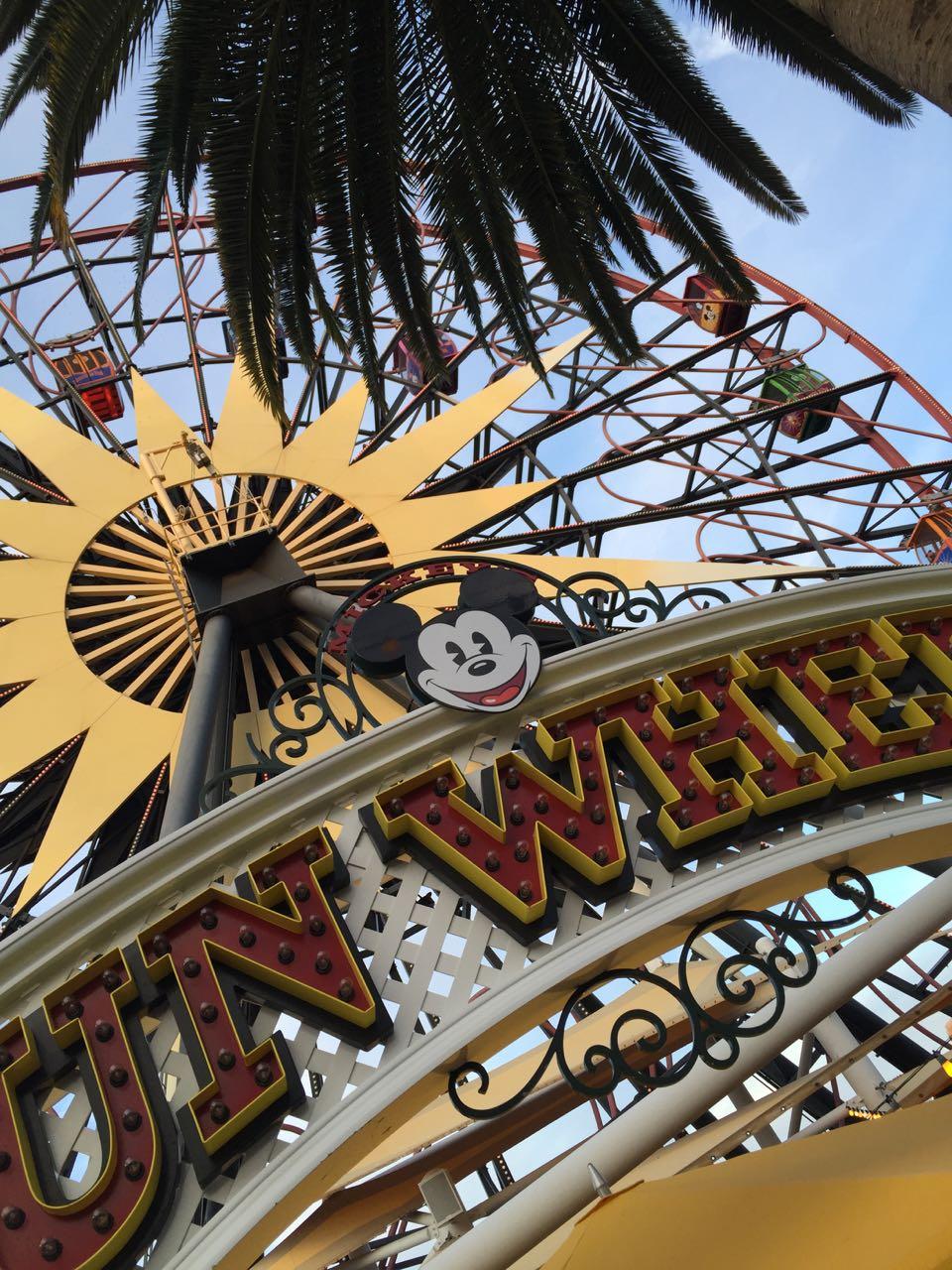 Mickey\'s Fun Wheel Disney\'s California Adventure Park