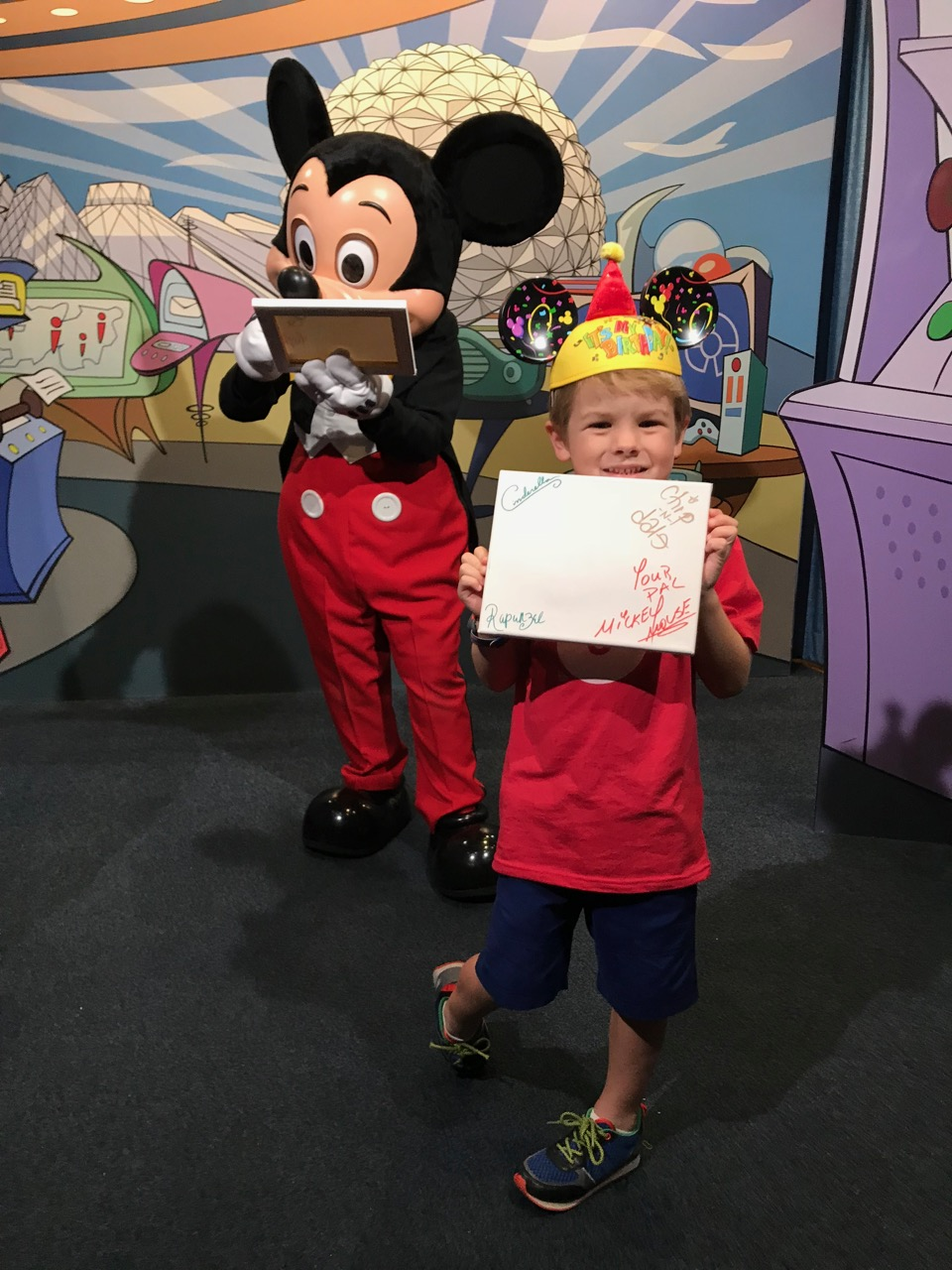 Sawyer\'s Sixth Birthday - Epcot Character Spot