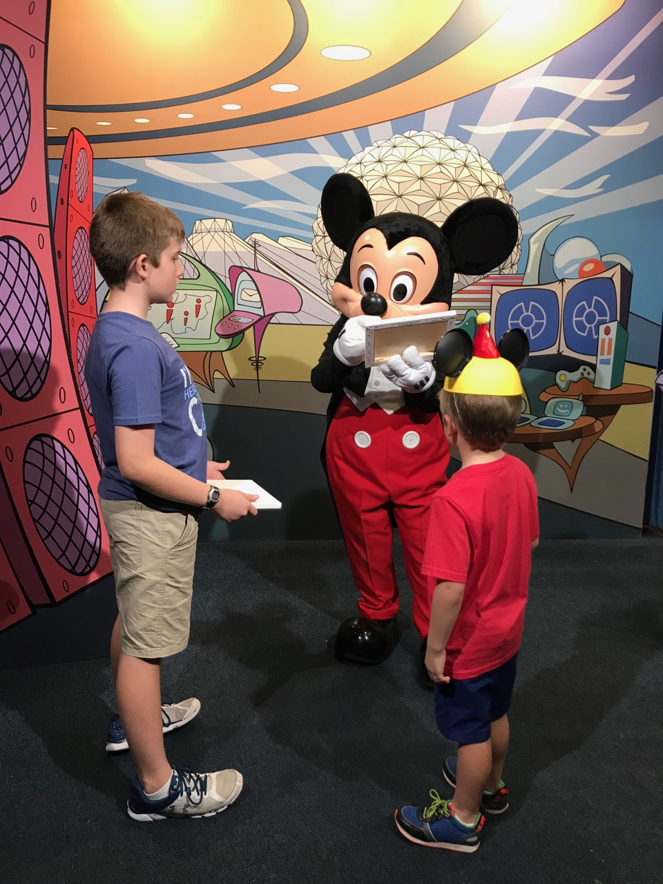 Sawyer\'s Sixth Birthday - Epcot Character Spot
