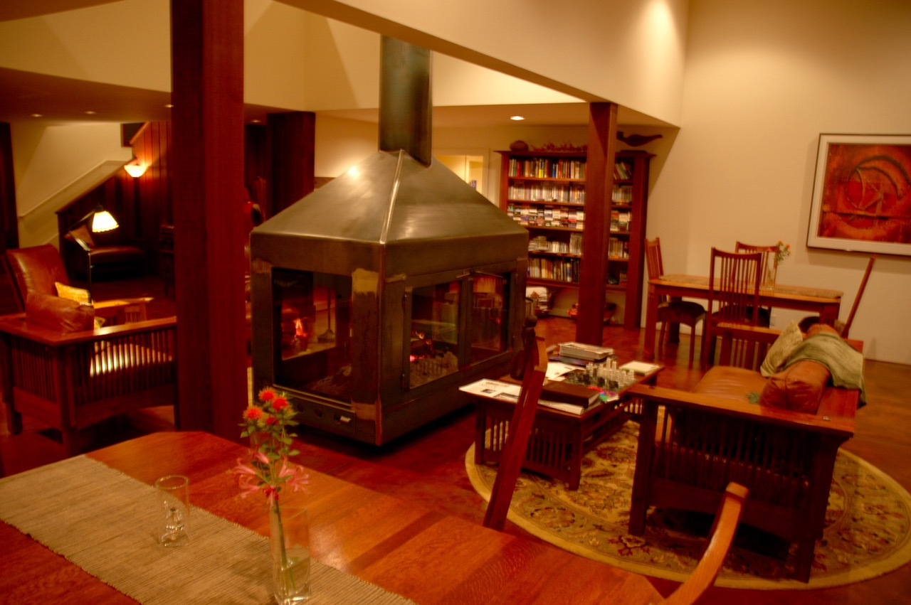 Brewery Gulch Inn Library
