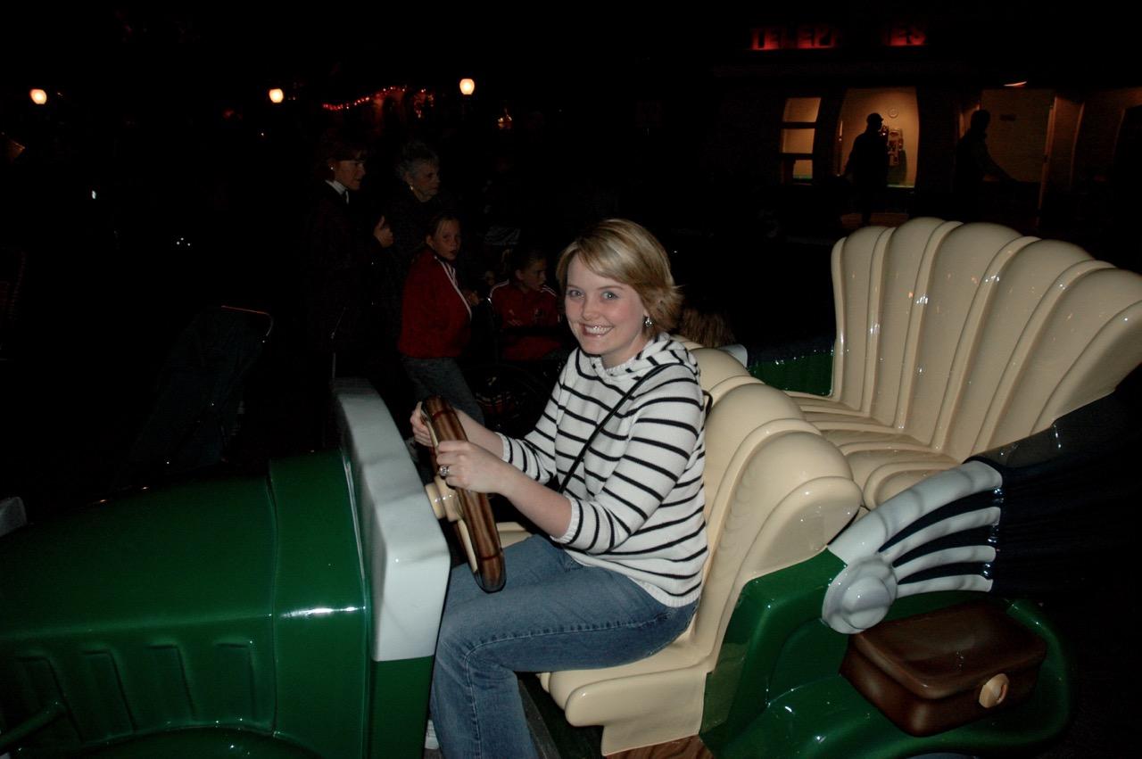 Disneyland Park Toontown Goofy Car