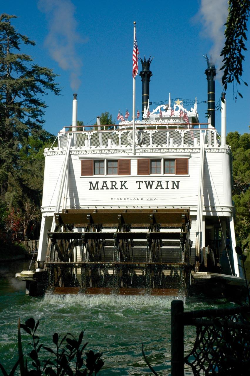 Mark Twain Riverboat Disneyland Park