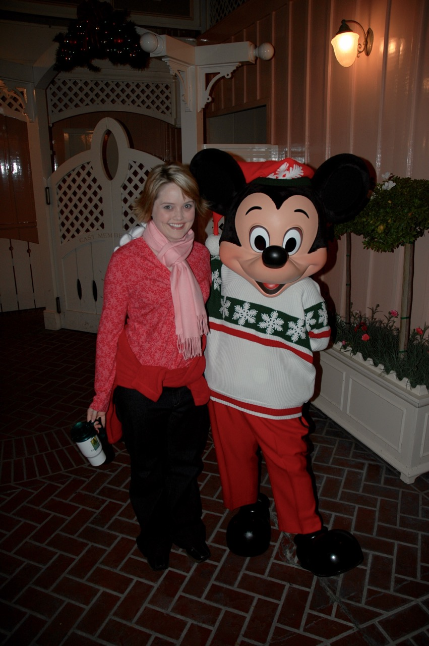 Emily and Mickey Mouse Disneylando