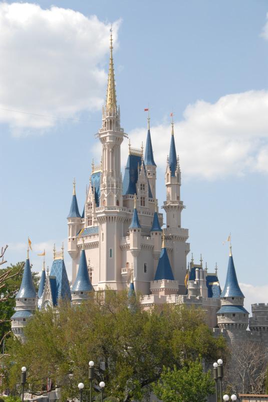 Cinderella\'s Castle at the Magic Kingdom